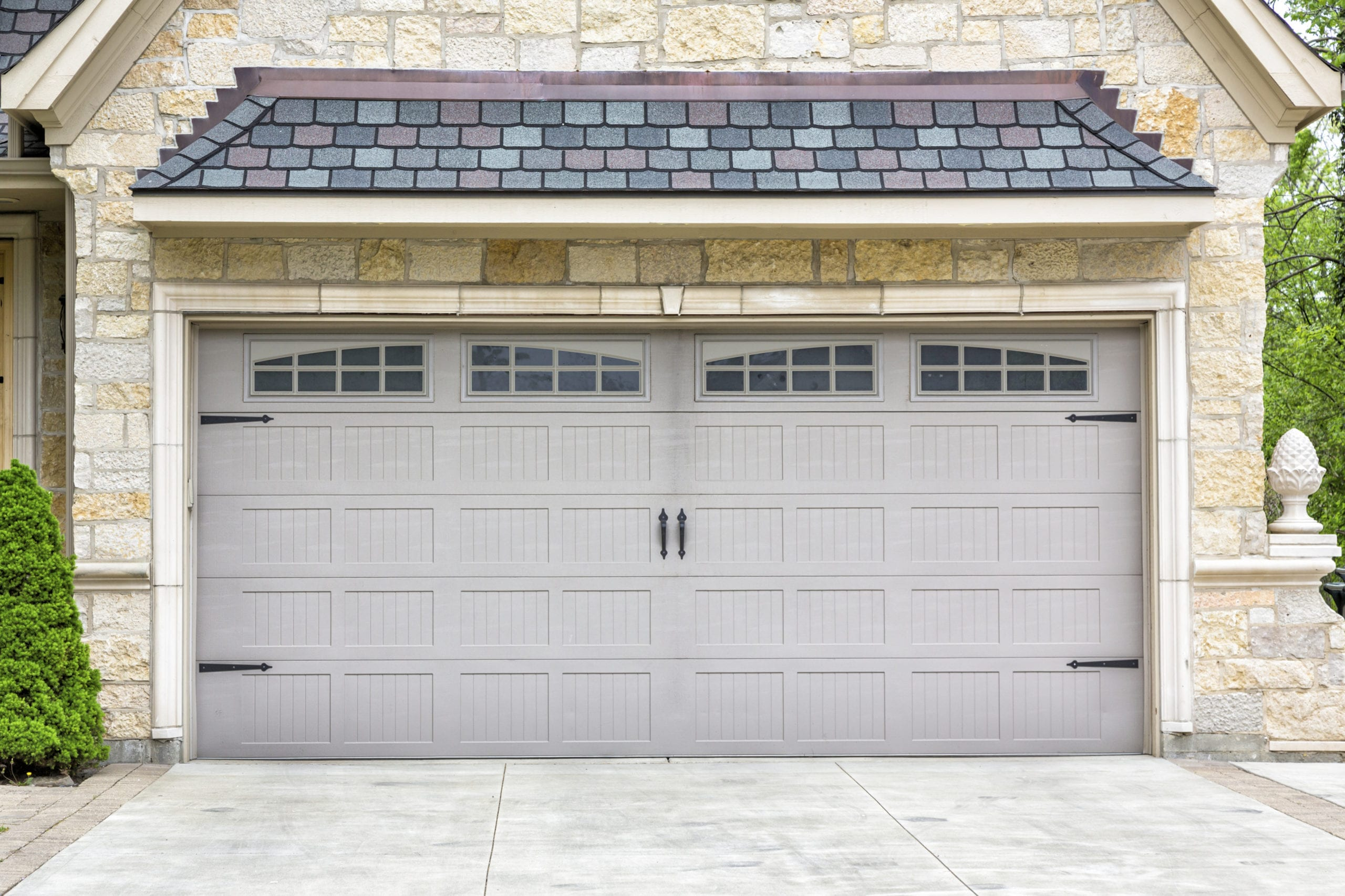 Reasons to Replace Your Garage Doors